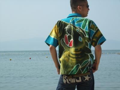 着物から作るアロハシャツを紹介したいと思います
