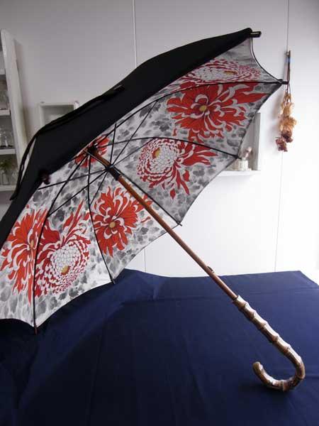 2種類の着物を組み合わせてリメイクする日傘の作り方…2つのアイデア。