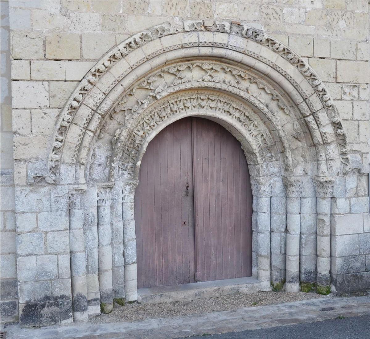 Église ND de la Prée des Tuffeaux - Chênehutte