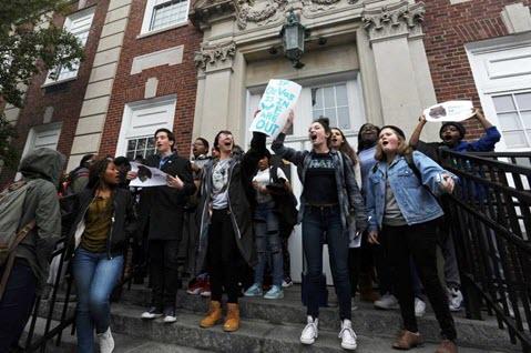 stamford-students-devos