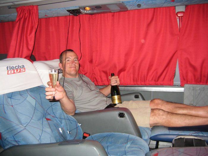 champagne in de bus