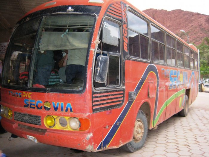 rode bus naar Bolivia