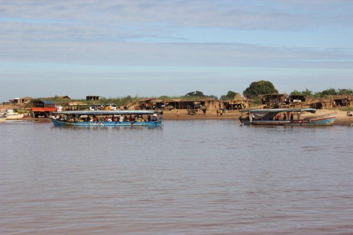 rivier bij Belo Tsiribihina