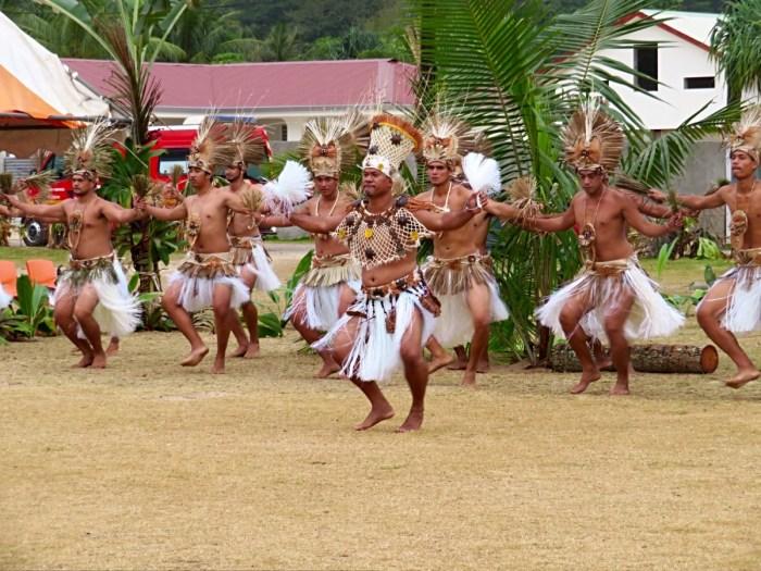 Mannelijke dansers op heiva Rurutu