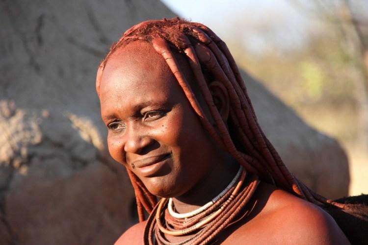 Namibie Himbavrouw