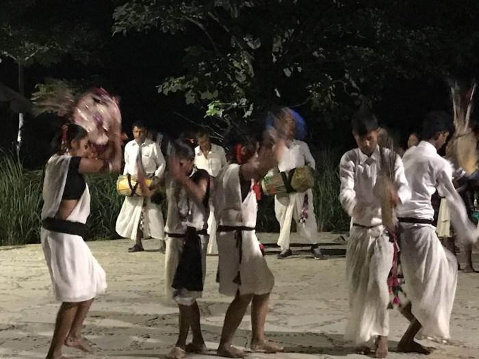 Tharu dansers Chitwan, Nepal