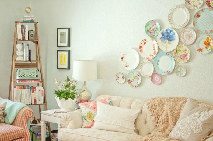Livingroom-plate-wall