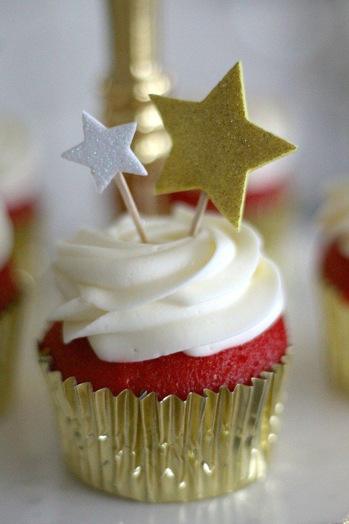 Gorgeous Red Carpet Cupcakes
