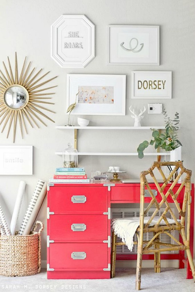 10 Chic Campaign Desks