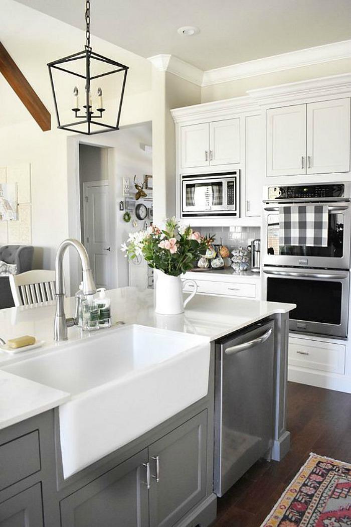 25 Gorgeous Kitchens with Farmhouse Sinks - Connecticut in ... on Farmhouse Kitchen Sink Ideas  id=73552