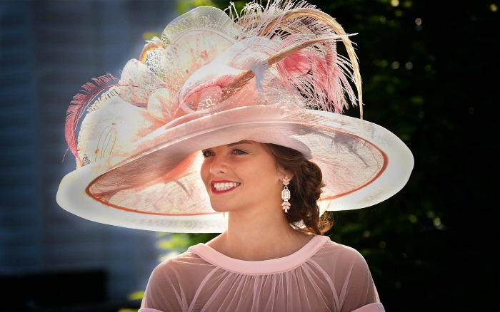 Horse Races and Hats