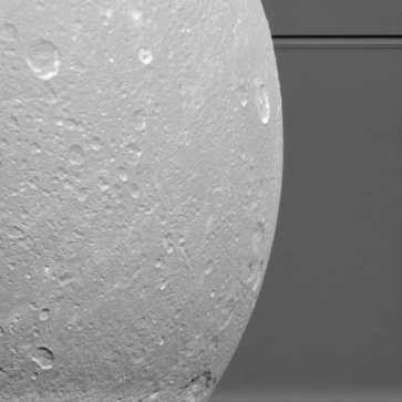saturno-palydovas-dione-58035823973f1