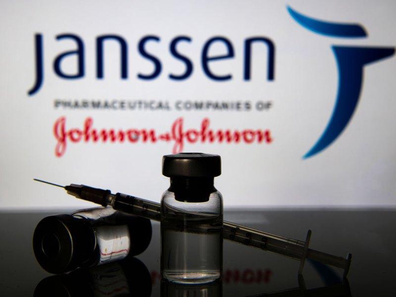 Johnson & Johnson vaccine. ( pcruciatti via Shutterstock)