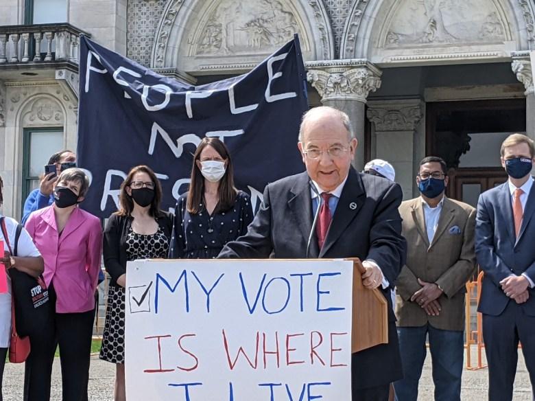Senate President Martin Looney (Hugh McQuaid Photo)