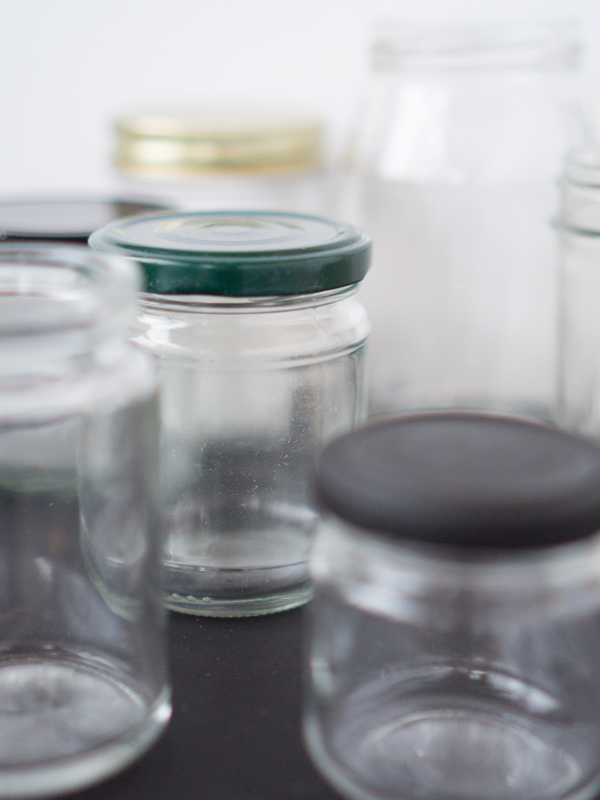 how to get labels off glass jars, non toxic, 2 ingredients, easy