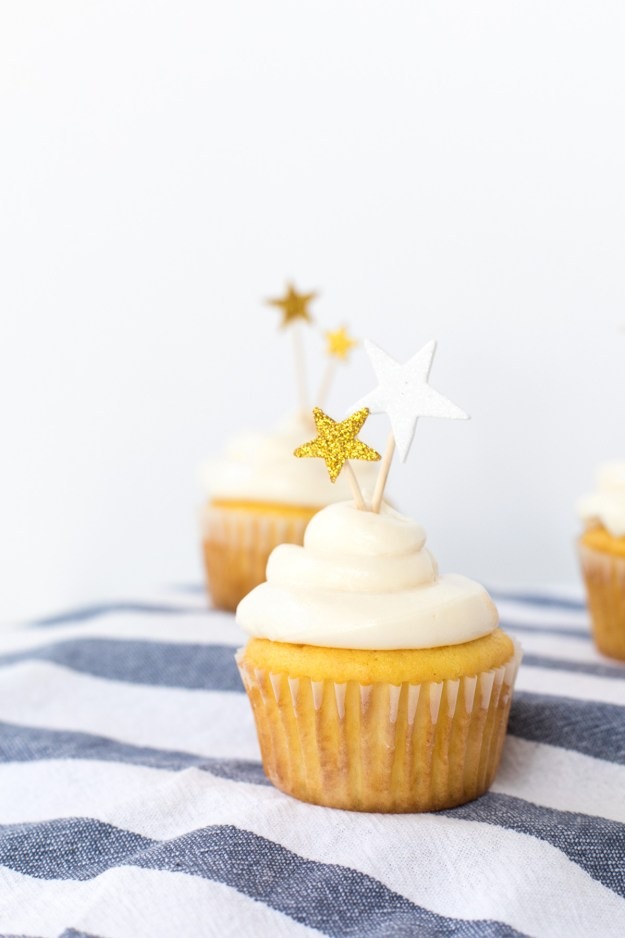 1 Minute DIY Patriotic Cupcake Toppers