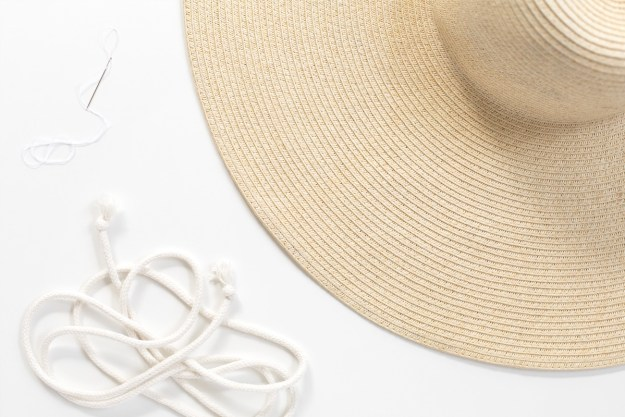 DIY Summer Beach Hat Hack