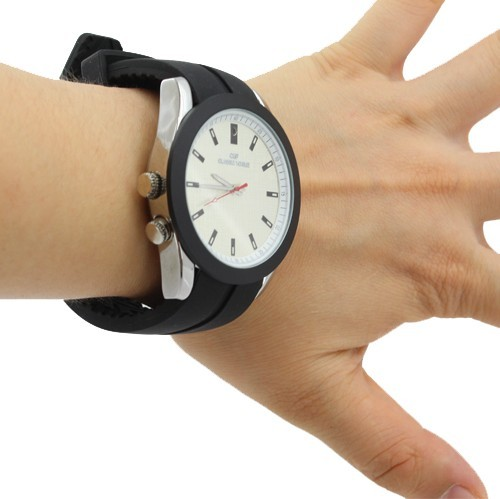Analog Watch with HD Spy Camera 4