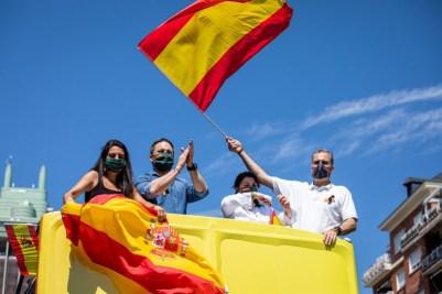 <p>Dirigentes de Vox en la manifestación contra el Gobierno el pasado sábado.</p>