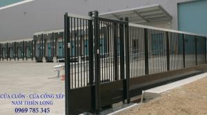 Cửa cổng xếp sắt sơn tĩnh điện