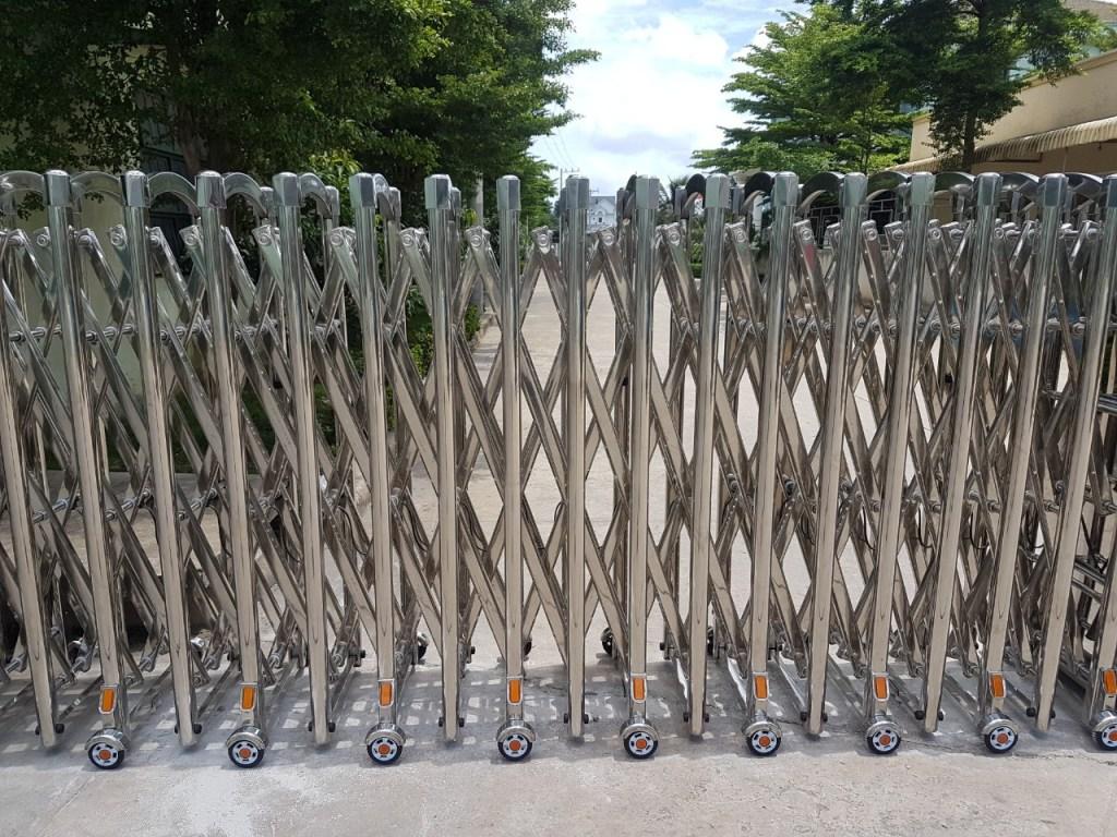 Lắp đặt cửa cổng xếp tại Đồng Nai