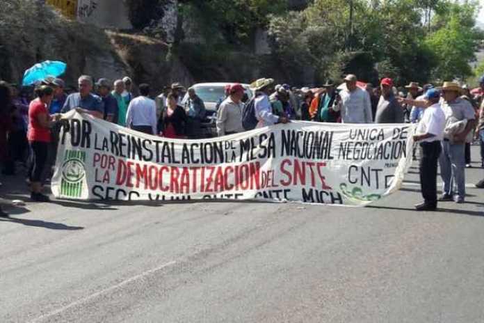 Morelia CNTE Marcha