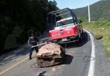 Proteccion Civil roca carretera