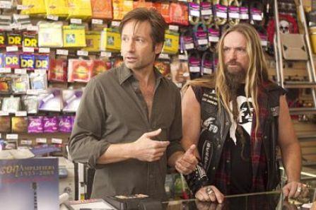 David Duchovny as Hank and Zakk Wylde in Californication (Season 4, Episode 2) - Photo: Jordin Althaus/Showtime - Photo ID: californication_402_0639