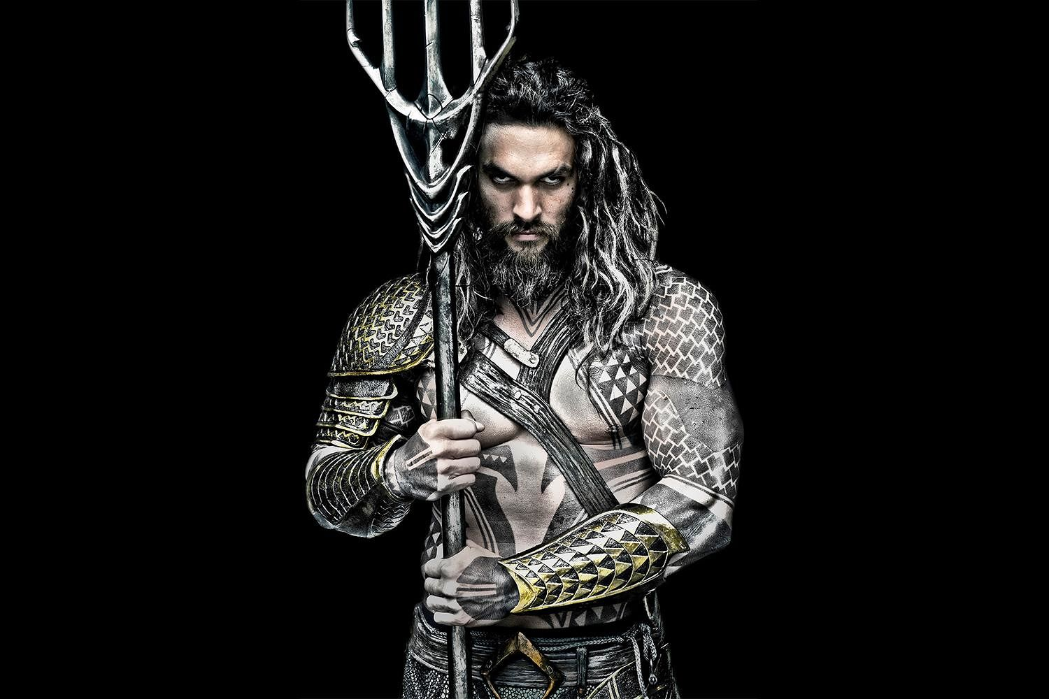 aquaman-star-jason-momoa-on-hi-tech-workout-outfit_asuw