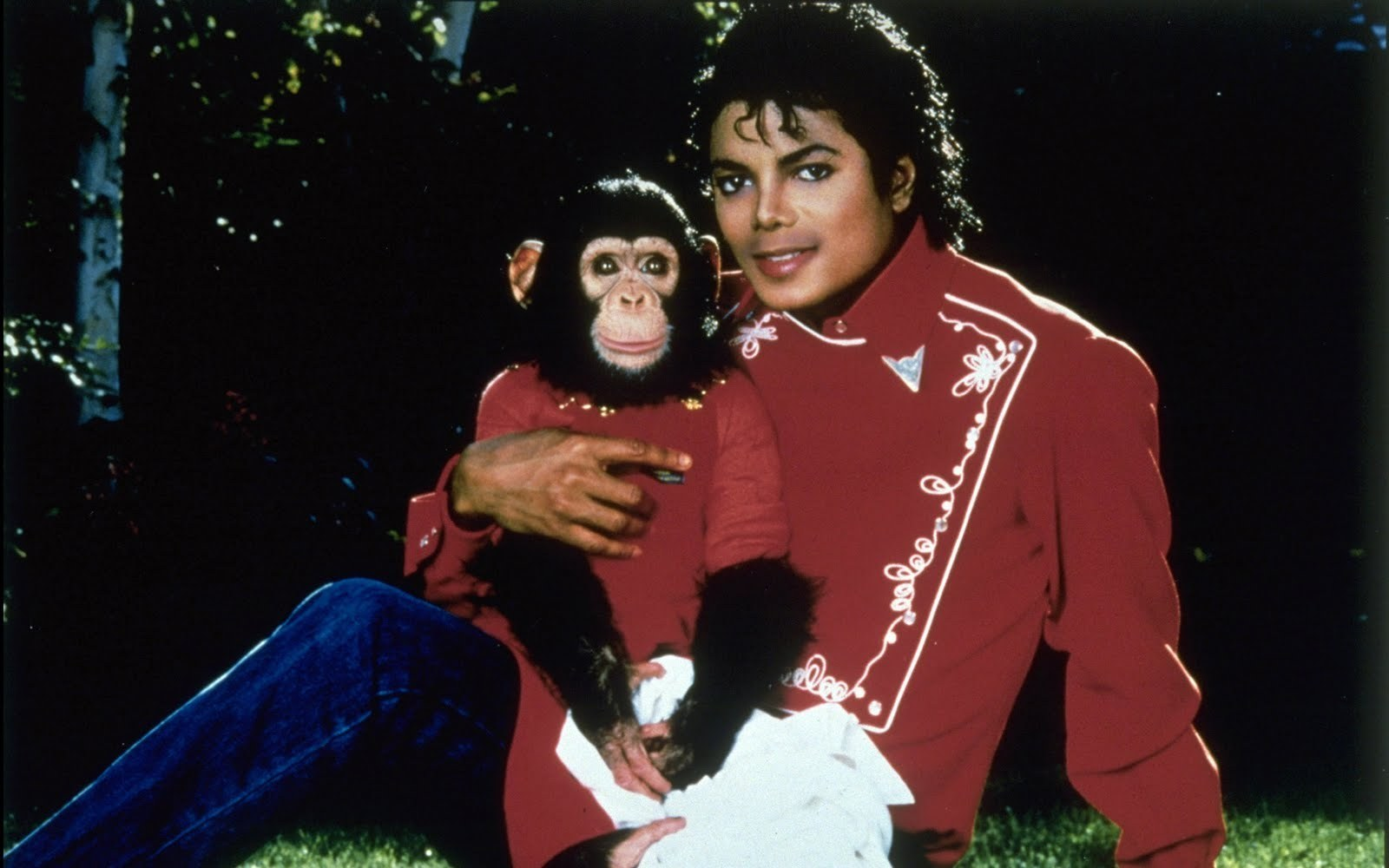 -SWEET-MICHAEL-CUTE-BUBBLE-michael-jackson-12358799-1600-1000.jpg