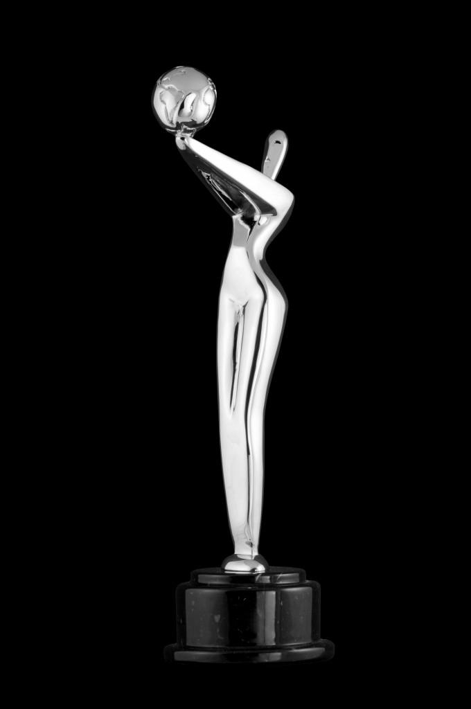Premios_PLATINO_fondonegro_AJN4589-680x1024