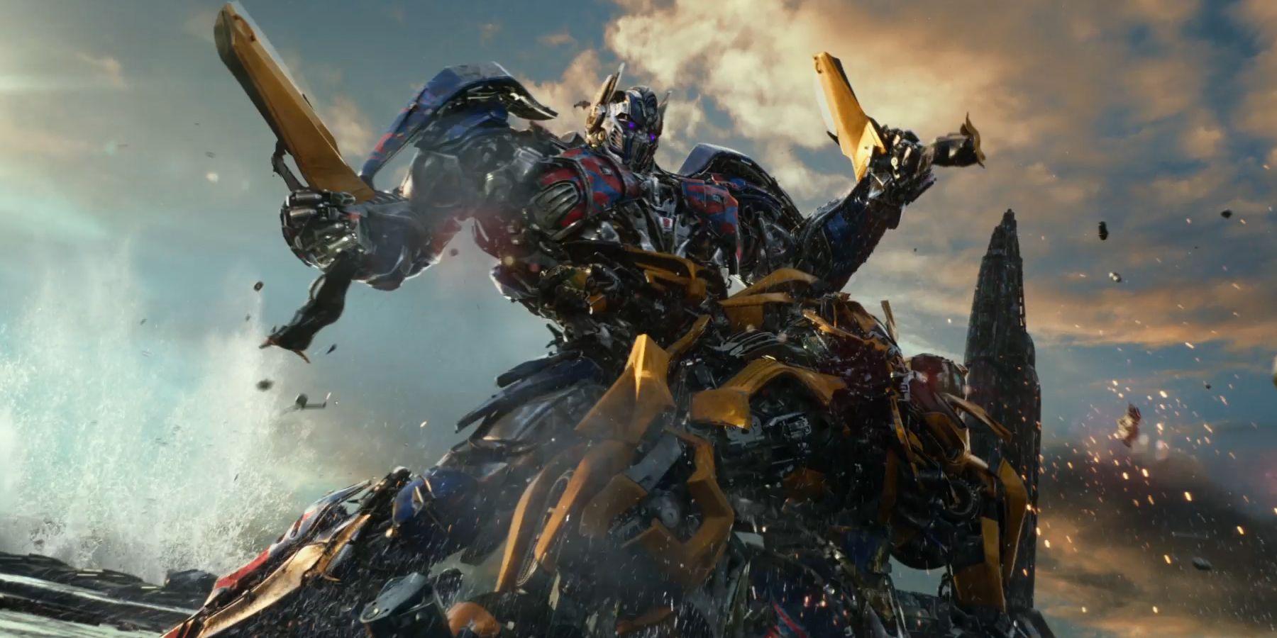 Transformers-The-Last-Knight-Optimus-Bumblebee-fight.jpg