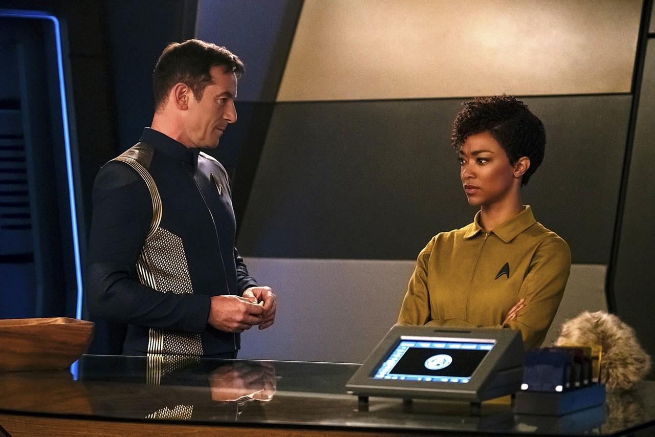 context-is-for-kings-star-trek-discovery-burnham-lorca-1506732203917_1280w