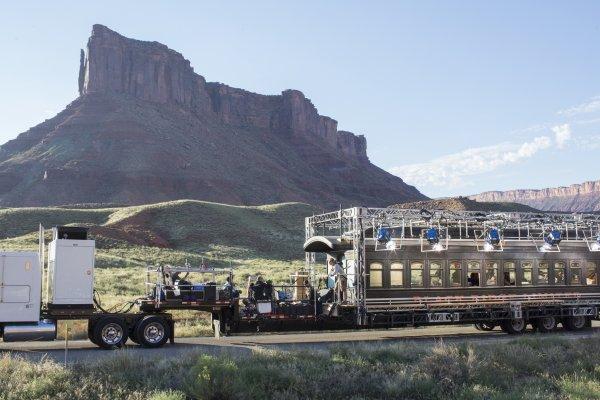 westworld-train-behind-the-scenes.jpg