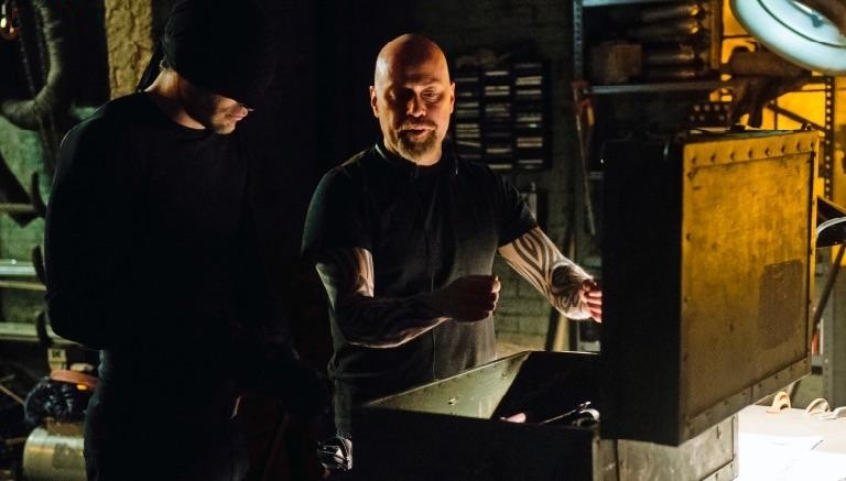 netflix-daredevil-charlie-cox-and-steven-s-deknight.jpg