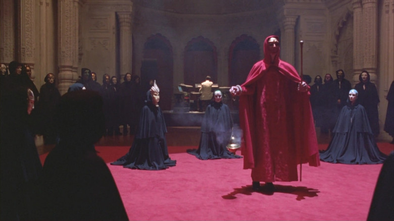 Eyes-Wide-Shut-2.jpg