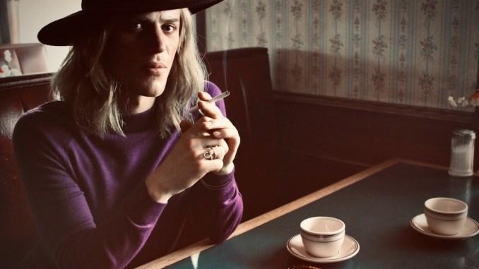 Stardust: Clip de film protagonizado por Johnny Flynn como David Bowie