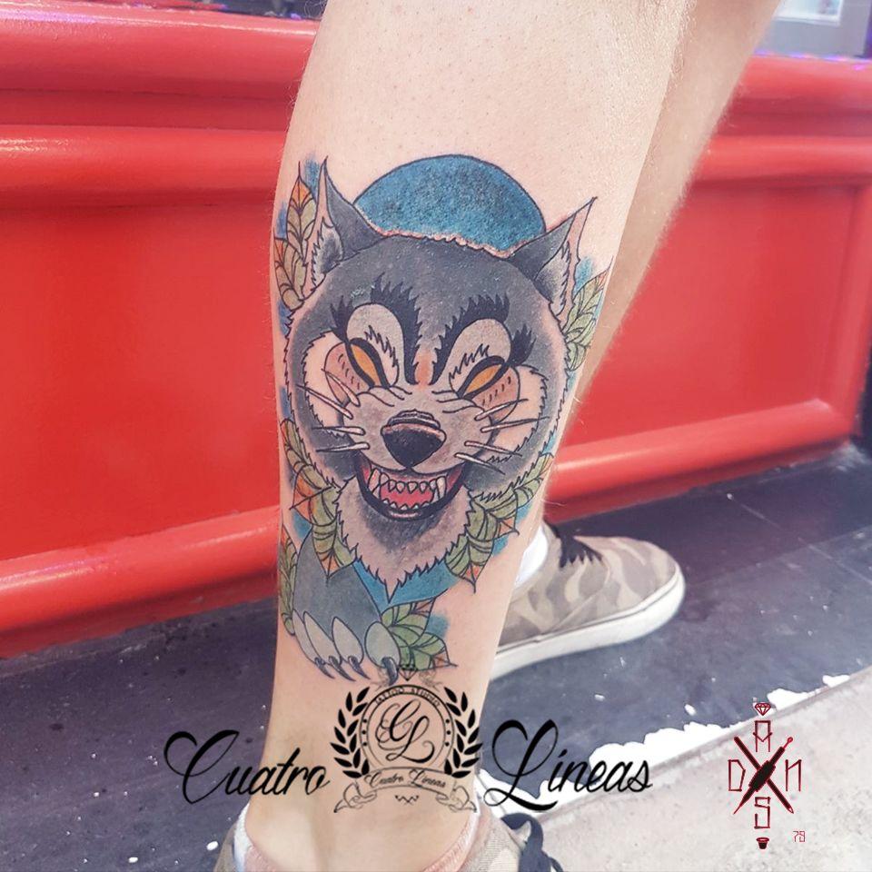Lobo neotradicional tattoo madrid