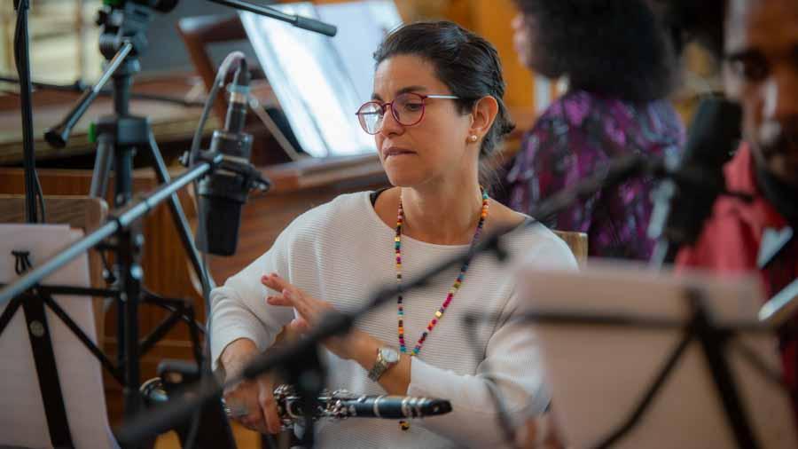 """Carelys Carreras Camporredondo - Klarinette, Saxophon, Flöte bei """"The Cuban Orquesta"""""""