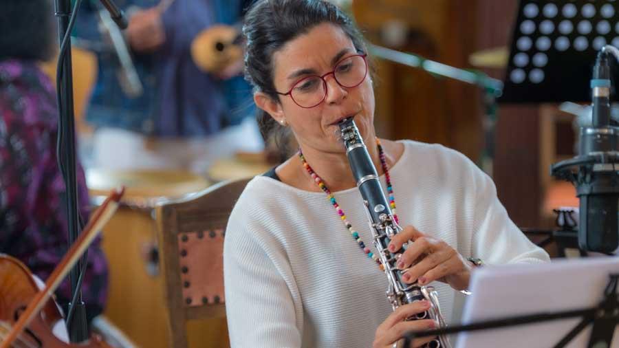 Carely Carrera Comporredondo - Klarinette Bei