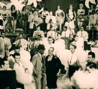 Celeste Mendoza c Rolando La Serie en un espectaculo de Cabaret 7