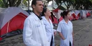 Recogen firmas en Chile para que médicos cubanos ayuden contra la COVID-19