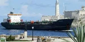 Buque con combustible venezolano zarpa con destino a Cuba