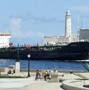 Maduro ha enviado cuatro buques de combustible hacia Cuba en julio