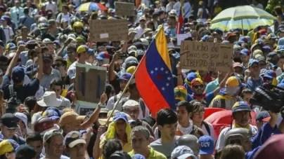 Oposición venezolana llama a retomar las calles ante el 'fraude' electoral