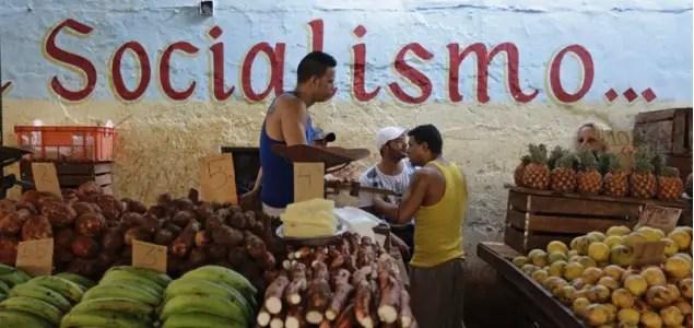 Mercado negro y economía socialista: una convivencia familiar