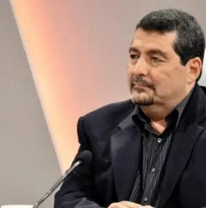 Iroel Sánchez arremete contra campaña #BajenLosPreciosDeInternet
