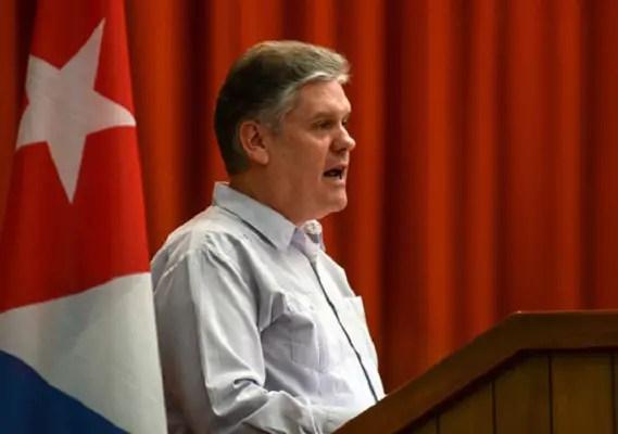 "Régimen cubano llama a EE.UU. a ""ocuparse de sus graves problemas"""