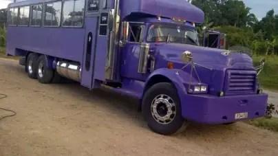 Decomisan camión en Santiago por presunto contrabando de combustible
