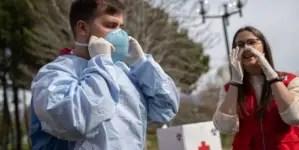 Médicos cubanos en España se ofrecen para luchar contra el coronavirus